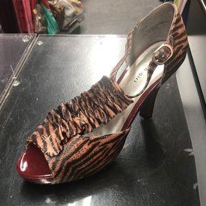Madden Girl size 10 multi color heels